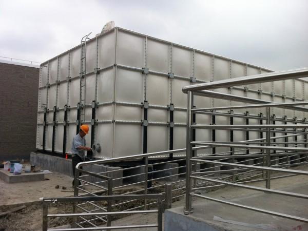嘉禾提示:购买玻璃钢水箱的关键注意点